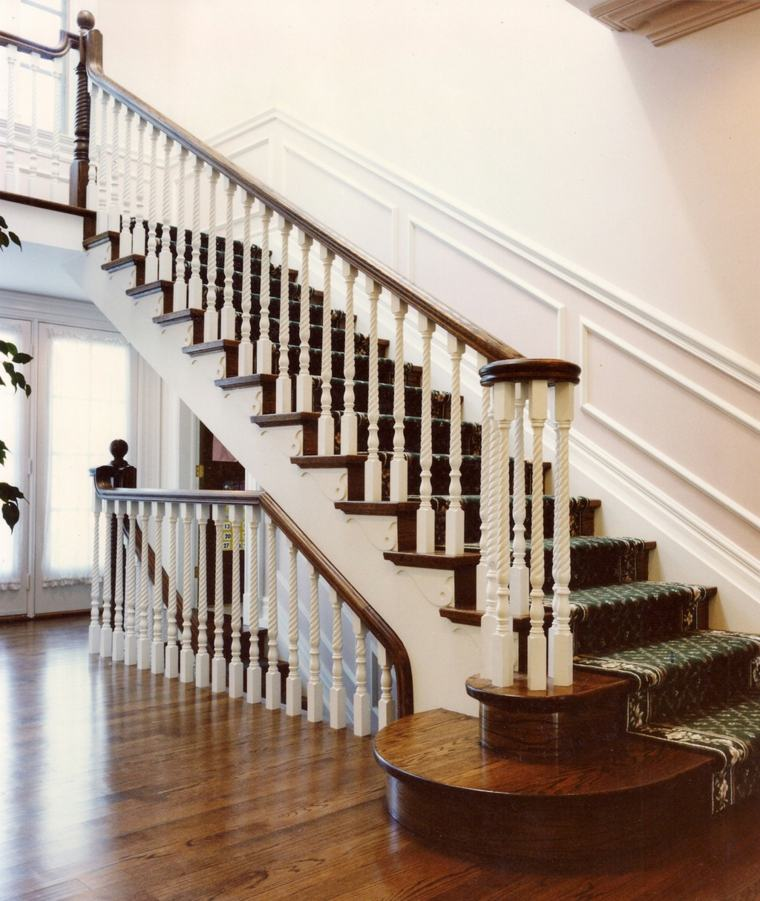 relooker rampe escalier bois cool agrandir escalier en bois facile descendre with relooker. Black Bedroom Furniture Sets. Home Design Ideas